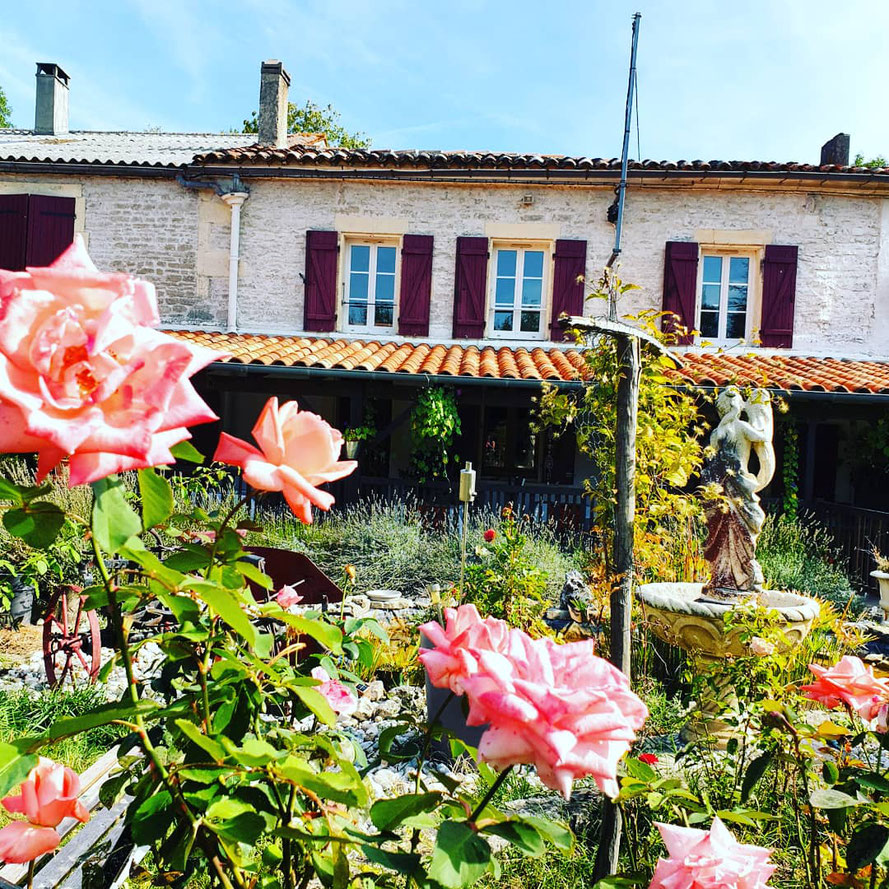 Located near cognac  18th century farmhouse  with carente stones surrounded by vineyards of cognac to make find peace of mind n stress free relaxing escape to breath the scent blooming flowers of the beautiful garden  or to simply relax by  swimming