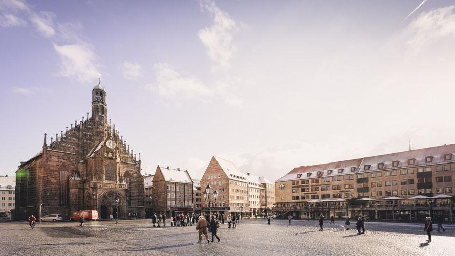 Nürnberg - Hauptmarkt & Frauenkirche (Copyright Martin Schmidt, Fotograf für Schwarz-Weiß Fine-Art Architektur- und Landschaftsfotografie aus Nürnberg)