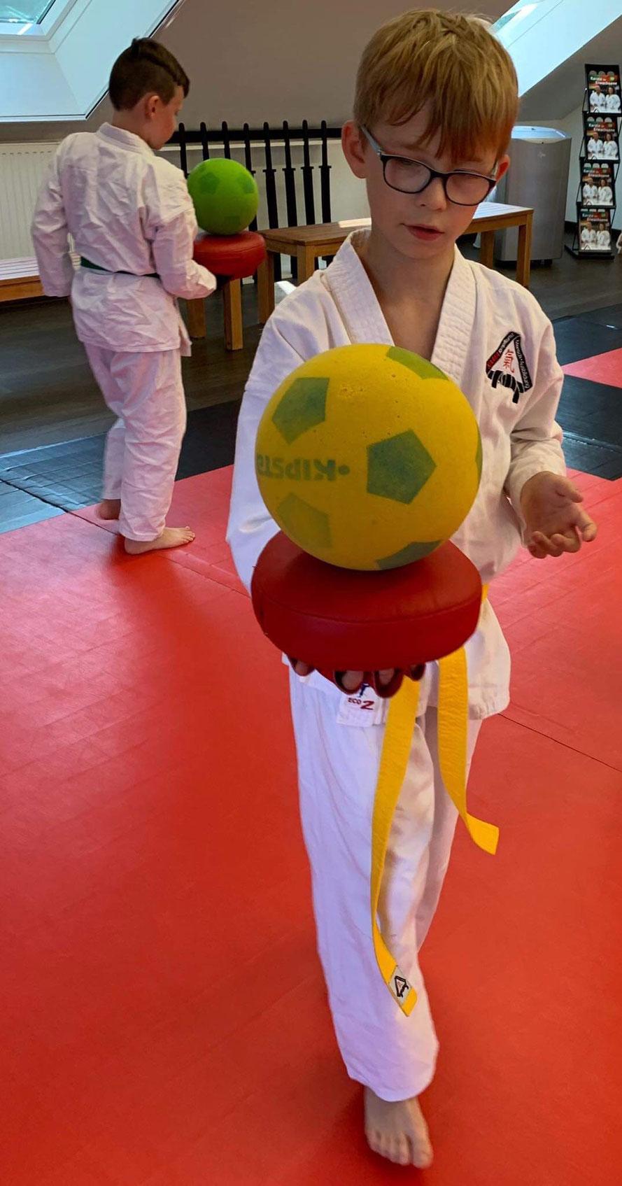 Spaß an Bewegung = Bessere Fitness, Konzentrations- und Koordinationsfähigkeit = Gesunde Kinder - Das Konzept des Karatezentrums Oer-Erkenschwick!