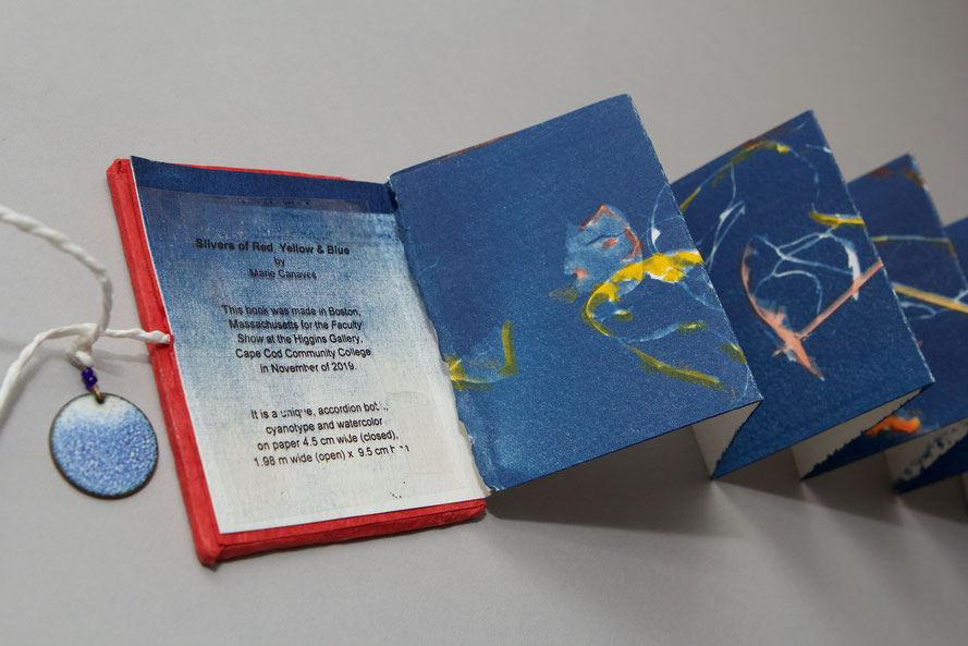 Marie Canaves,  Slivers of Red, Yellow, and Blue, 2019, unique artist book, cyanotype and watercolor on paper, 9.5cm high, 4.5cm wide (closed), 1.98m wide (open)