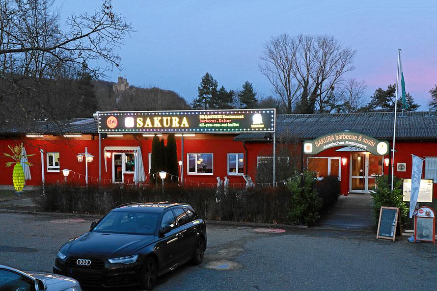 Asiatisches Restaurant Sakura in Lörrach beim Grüttstadion. All-you-can-eat mit dem iPad. Sushi und Barbecue-Spezialitäten.