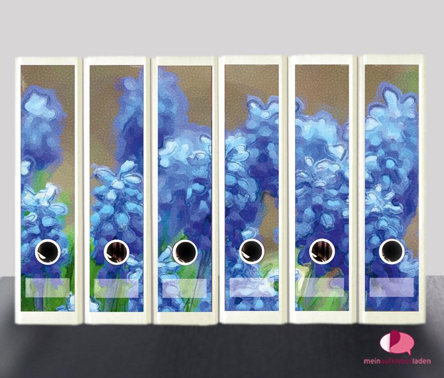 liebevoll gestaltete  Ordnerrückenaufkleber für die Schule, Büro, Arbeit oder zu Hause - Traubenhyazinthen im Aquarell-Stil