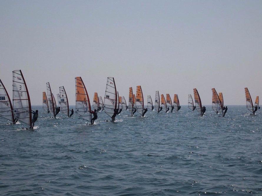 長崎大学医学部ウインドサーフィン部 nu-windsurfing.jimdo.com/
