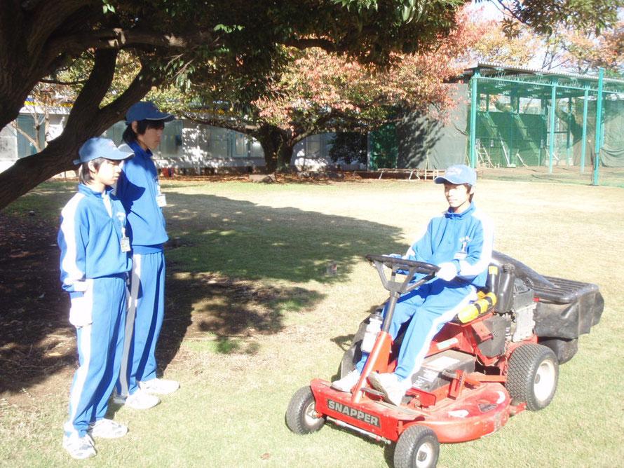 2010年11月24日 職場体験 緊張後楽しい  薬師中学校の生徒達です