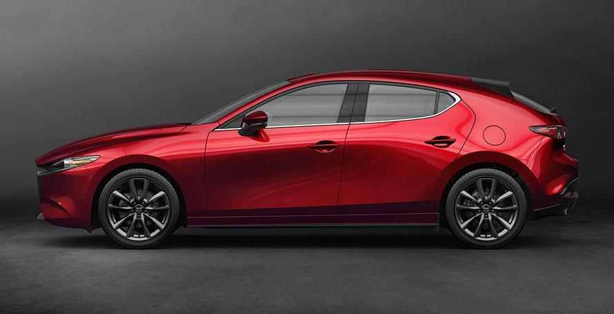 Fahrzeug Mazda3 in Rot.