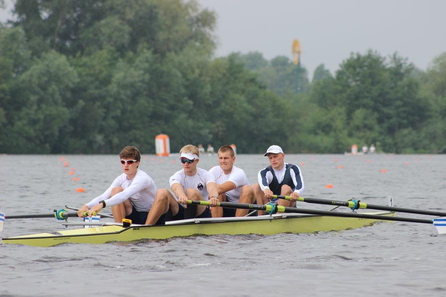 Adrian Renken, Benjamin Zeissberg (Hamburg), Janek Hadamovsky (Bremen) und Robin Hamann wurden Dritte im Junioren-Vierer o.Stm.