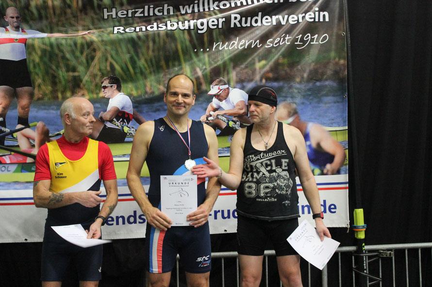 Oliver Menn mit dem einzigen SRC-Tagessieg bei der Siegerehrung bei den Männern 55-59 Jahre.