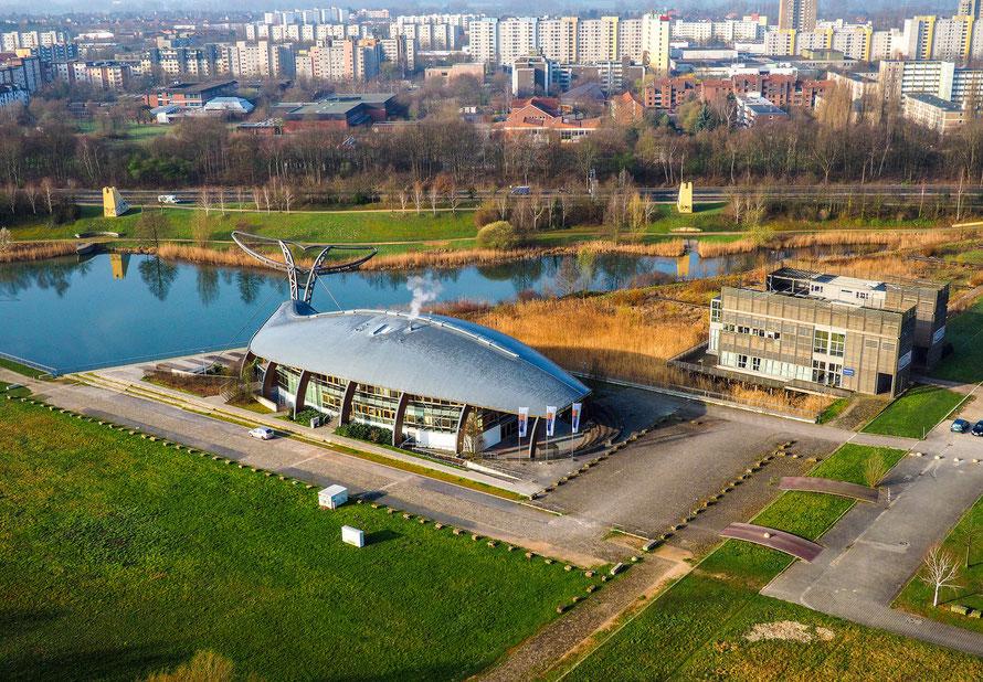 Luftaufnahme des Expo-Wal aus flachem Winkel