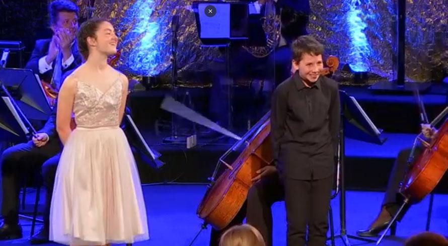 Julia Duenas (Geige) und Emil Weller (Klavier) konnten die Jury überzeugen. (c) Screenshot ORF