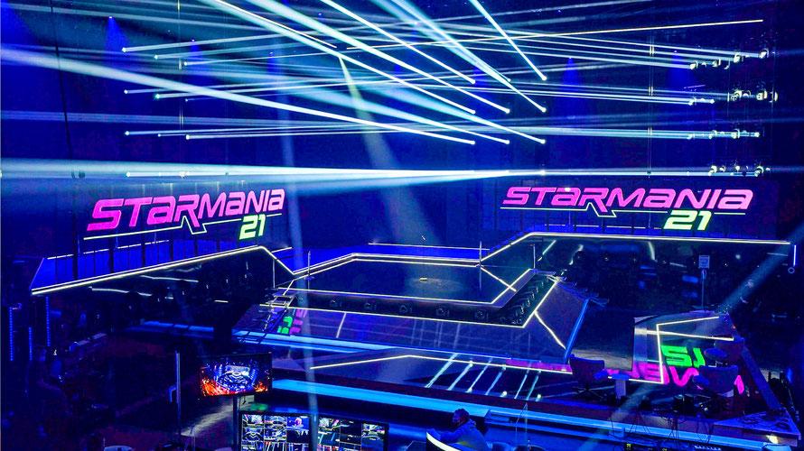 Erster Blick auf die überdimensionale Starmania21-Bühne. (c) ORF / Roman-Zach-Kiesling