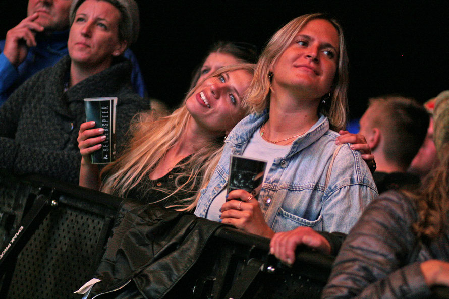 Fans bei Seiler & Speer. (c) migglpictures / H. Miggl