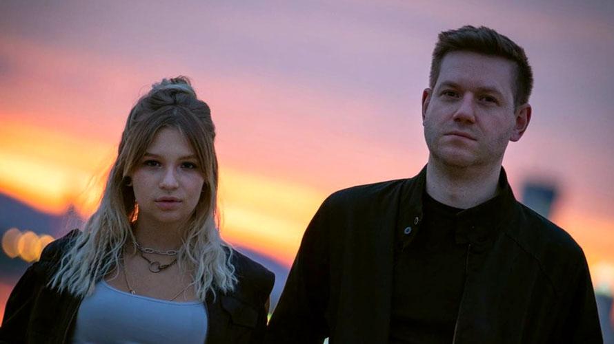 Beide lieben ähnliche Musik: Singer/Songwriter Maggie Löffler aus Bad Hofgastein und der Produzent Dan Fisher aus Manchester bilden das Duo Raven Red. (c) Johannes Löffler