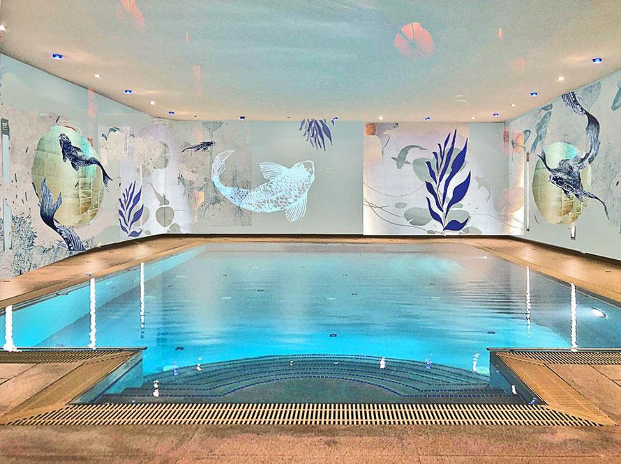 Wandbild am Pool