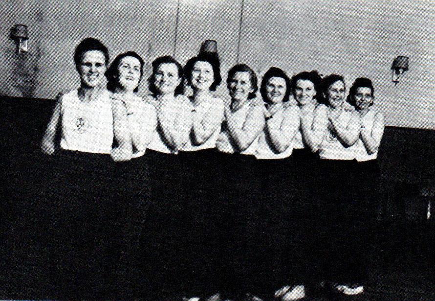 Frauengymnastikgruppe im Gründungsjahr 1951