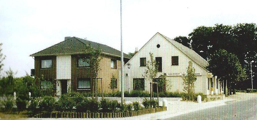 Die Ansicht im Jahr 1987 mit dem Wohnhaus der Familie Meyer-Lankenau