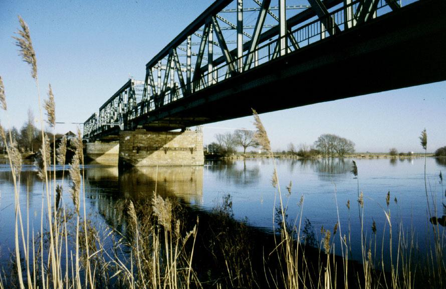 Weser - Bahnbrücke