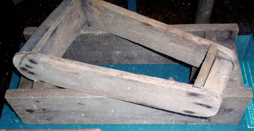 Handformen (Ziegelmodel) der Ziegelei Wehrmann im Museum Syke
