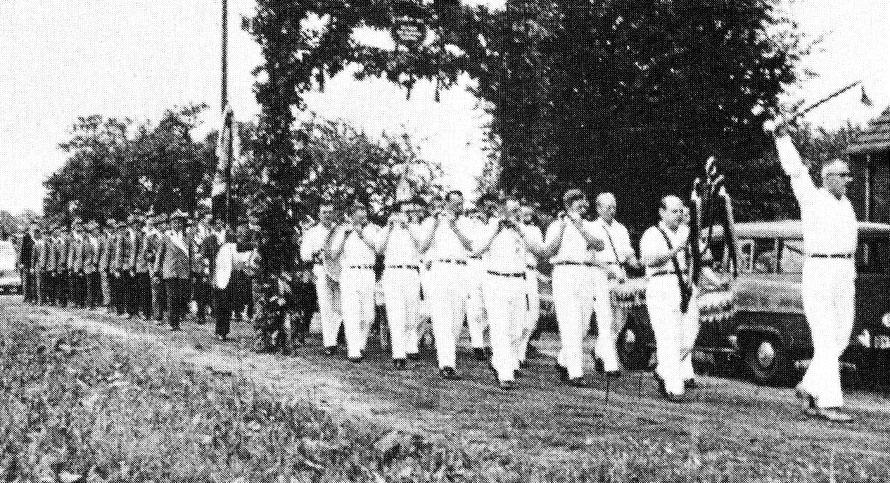 Ankunft beim Schützenkönig Heinrich Schröder, Barrien 7.7.1963