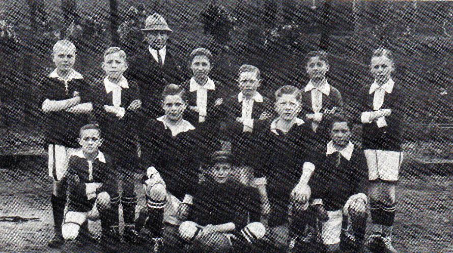 Zwei Bilder aus dem Jahr 1918 - Wer erkennt die Spieler?
