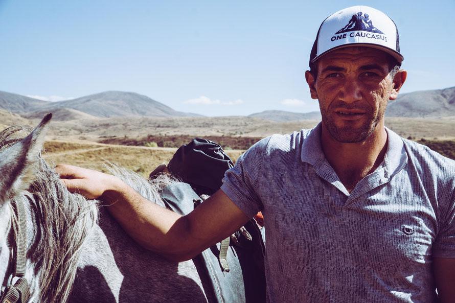 Cowboy in Jermuk, Reiten in Jermuk, Armenien