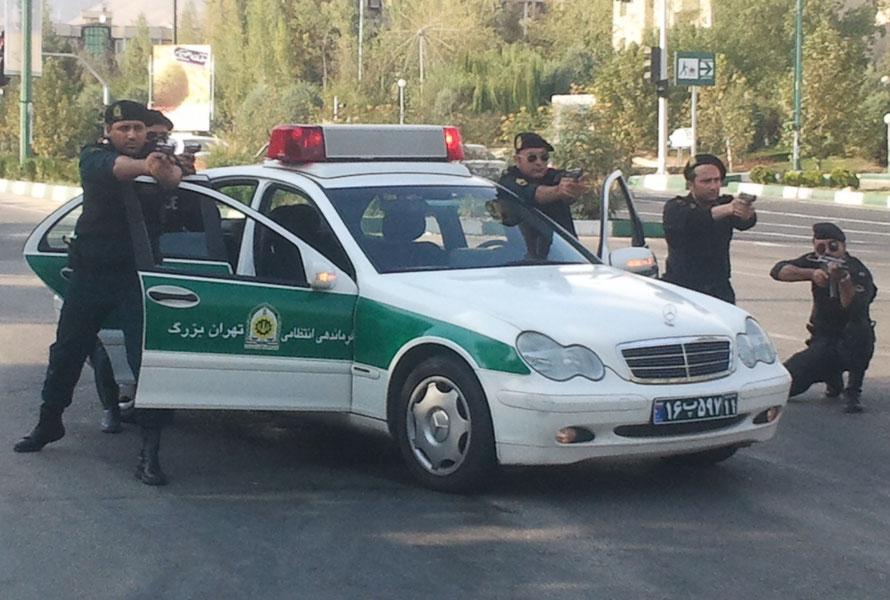 Polizei im Iran, wie sie sich gerne selber darstellen