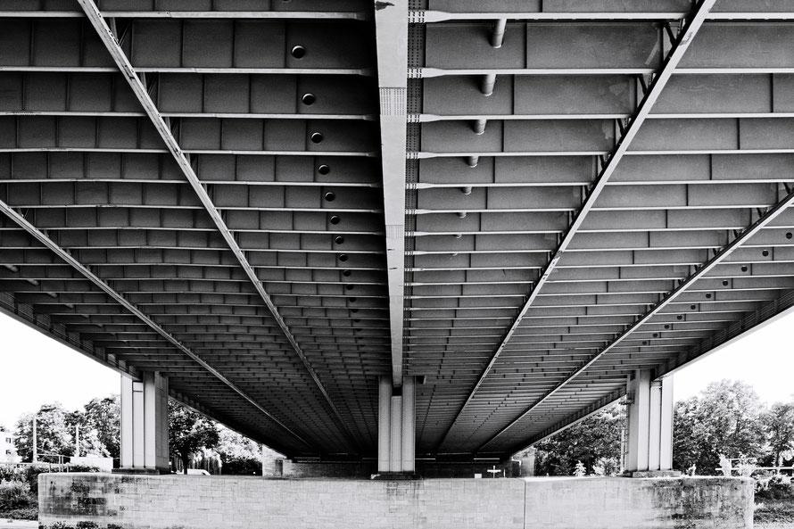 Rhein, Brücke, Rheinbrücke , Köln, Rodenkirchener Brücke, Fotokunst , Leinwand, Foto , Fotografie , Fotokunst , arthaus kempen , Kunst , Künstler , Günter Heimbucher
