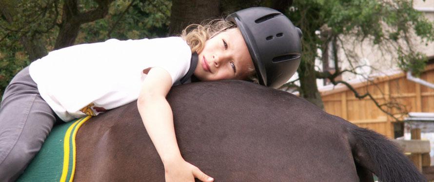 Eltern-Info: Mein Kind will reiten lernen. Was nun?