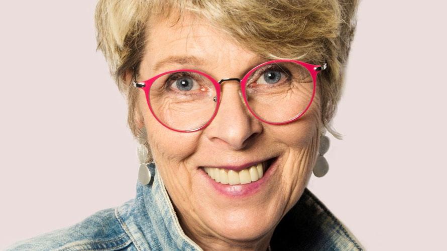 """Die Quickborner Autorin Bibi Maaß liest aus ihrem Buch """"Promille & Endorphine"""" (Foto: K. Jessen )"""
