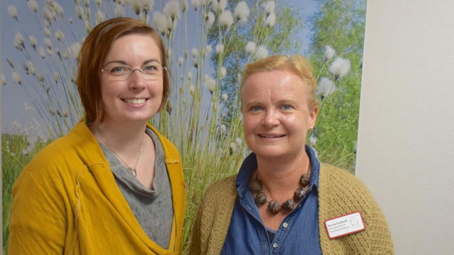 Quickborns Gleichstellungsbeauftragte Hannah Gleisner und Nicole Eickhoff, Leiterin des DRK-Familienzentrums, laden gemeinsam mit Mirjam Bergfeld (AWO-Schwangerenberatung, nicht im Bild) zu den Treffs ein