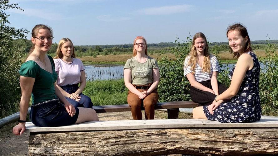 Im Himmelmoor (von links nach rechts) Natascha Wetzel, Noelle Griesbach, Antonia Umlauf, Theresa Ladewig und Emilie Eilers  (Foto: Rathaus)