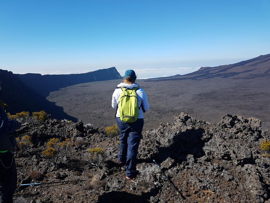 Randonneuse dans le Massif du Volcan