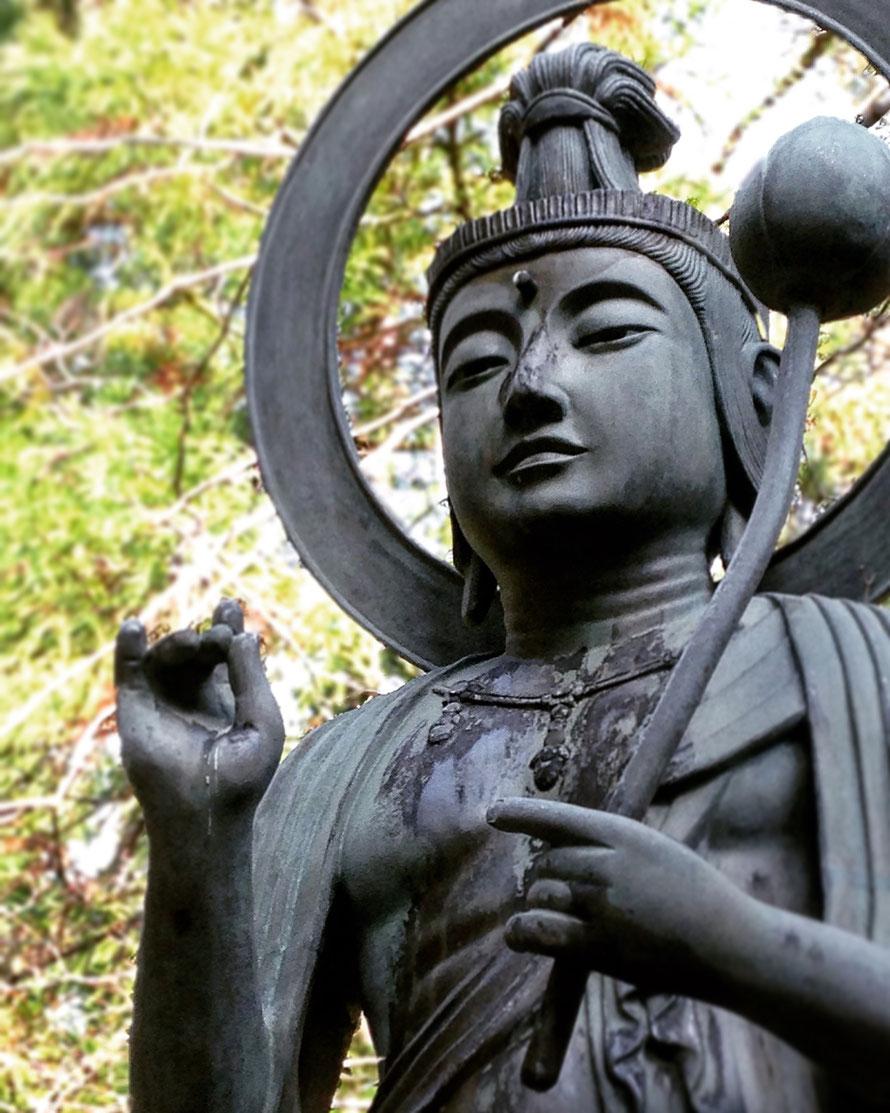Bodisatva del cementerio Okunoin del monte Koya.