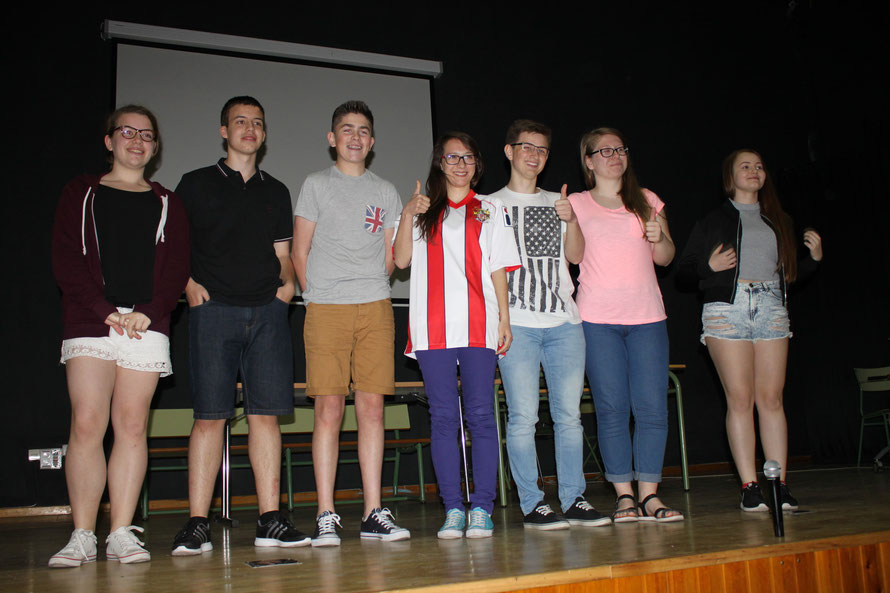 The English partners challenged the other groups with a decoding competition, the Polands won.