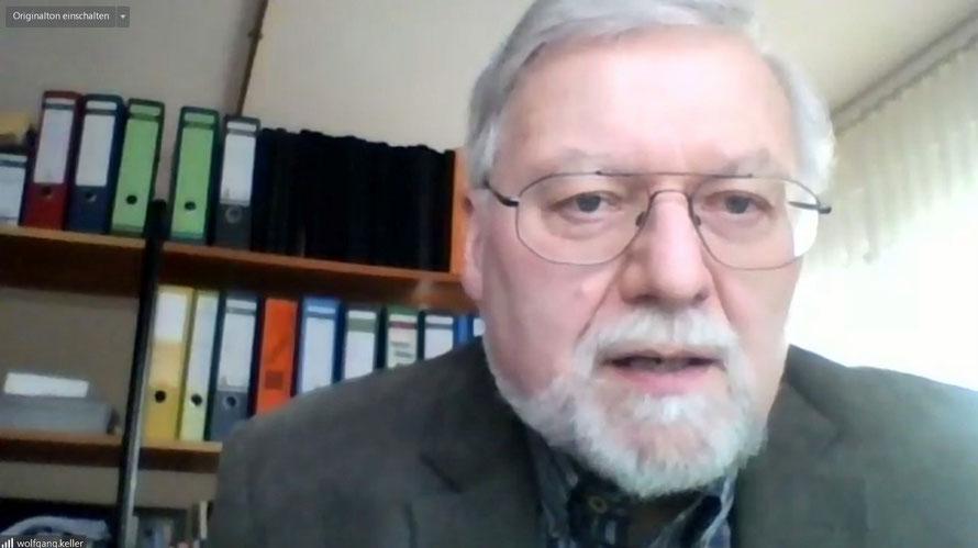 Der amtierende kommissarische Dekan Wolfgang Keller. Foto: Screenshot / Gert Holle