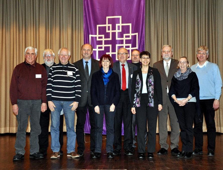 Der neu gewählte Dekanatssynodalvorstand des Evangelischen Dekanates Büdinger Land. Foto: Gert Holle