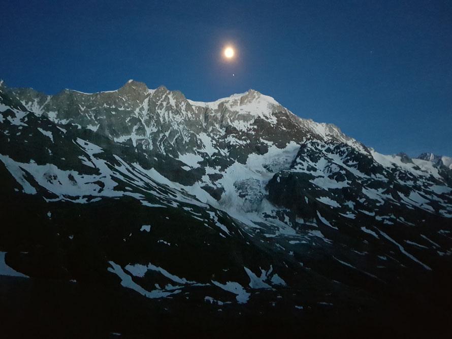 Wandern im Mondschein