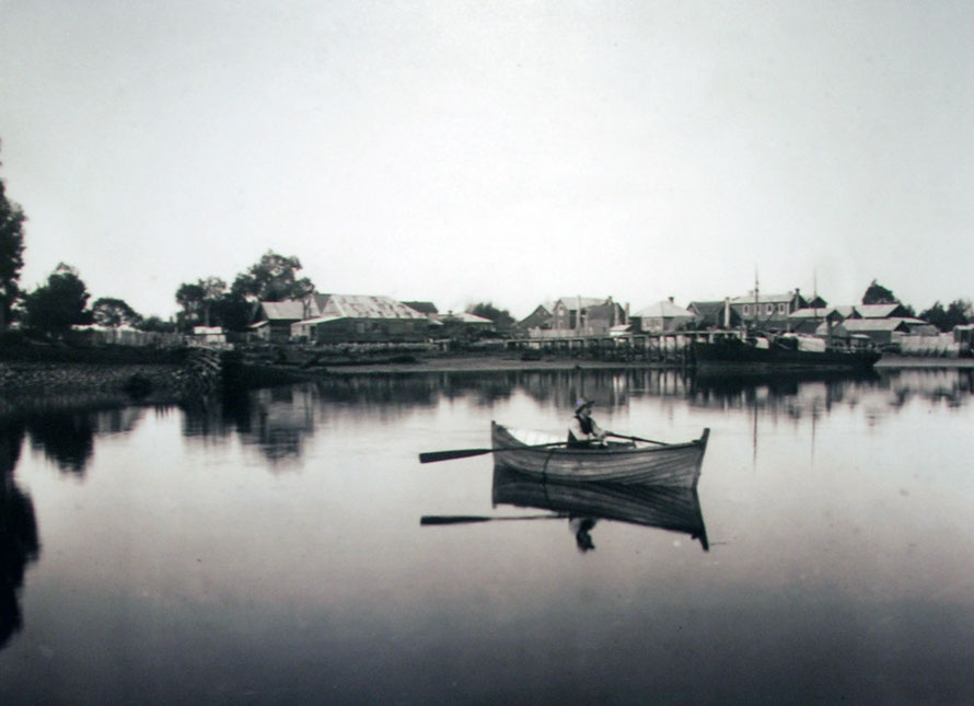 Collingwood Harbour in the 1890s (Tyree Studio: Aorere Centre).