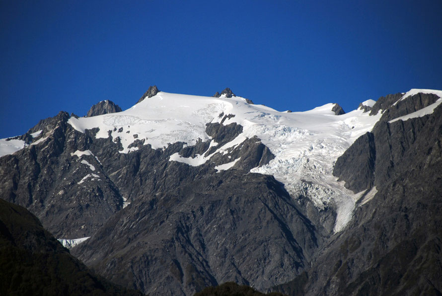 The mountain top glacier on Mt Anderegg