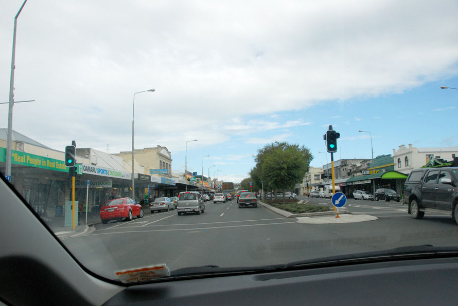 State Highway 1 at Oamaru with blue sky showing