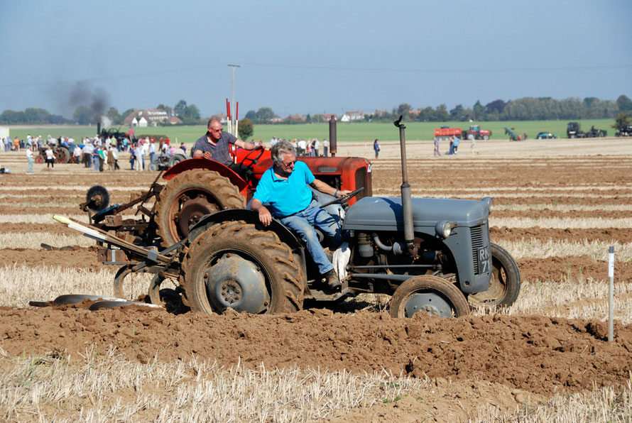 Race to the finish (East Kent Ploughing Match 2011)