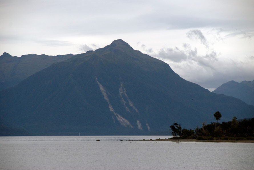 The Turret Peaks (1317m) from Boat Cove on Lake Te Anau on the Milford Road