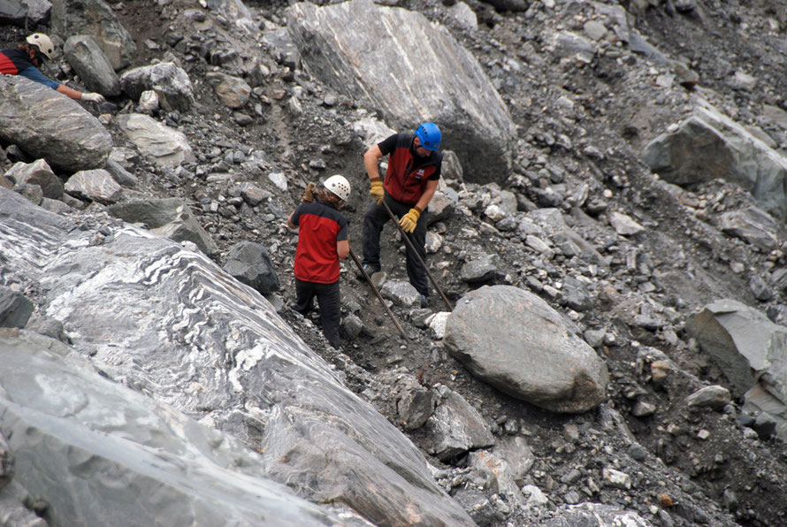 Ones that ready to rumble: the boulder shifters of the Fox Glacier