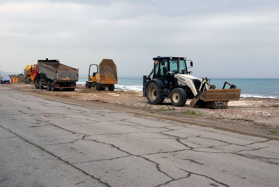 The end of the road for the Varoshiotis Seafood Restaurant.  Road widening finally swept it away. I could still see the old floor tiles. But no restaurant. Larnaca seafront, January 2013.