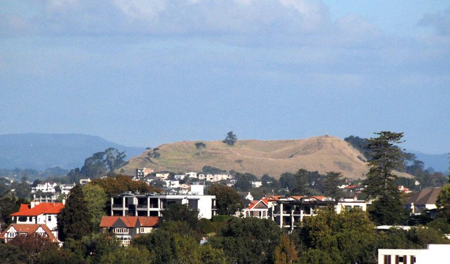 The swanky Mount Eden district in Auckland with Mount Eden volcanic cone.