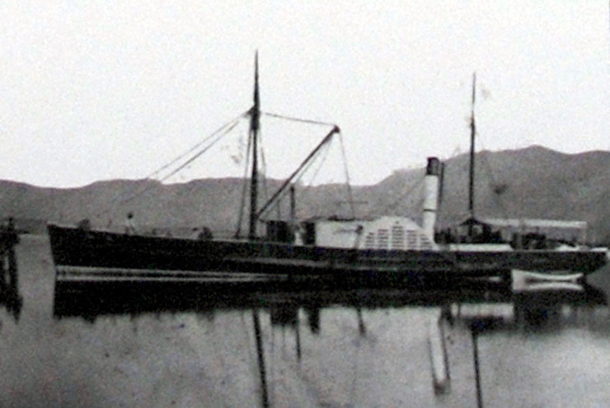 The Lady Barkly paddlesteamer - the trasnport lifeline between Collingwood and Golden Bay and Nelson until 1921 (Aorere Centre, Collingwood).