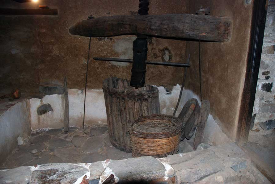 Wine press, Katsinioros house, Fikardou