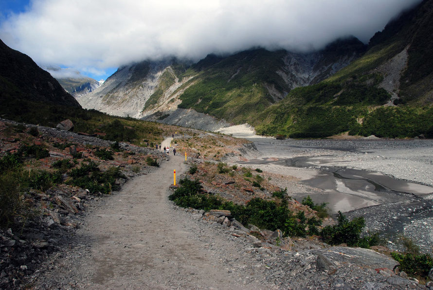 The path to the Fox Glacier terminus