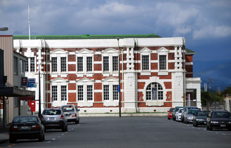 The former government buildings in Hokitika. (For a look inside click on the photo)