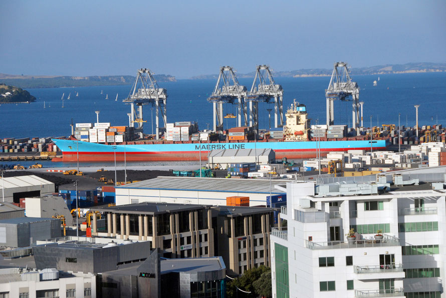 Our splendid view of the container port at Auckland. How I failed to see thatthere was a Ferguson Walk that went right beside it I will never know.