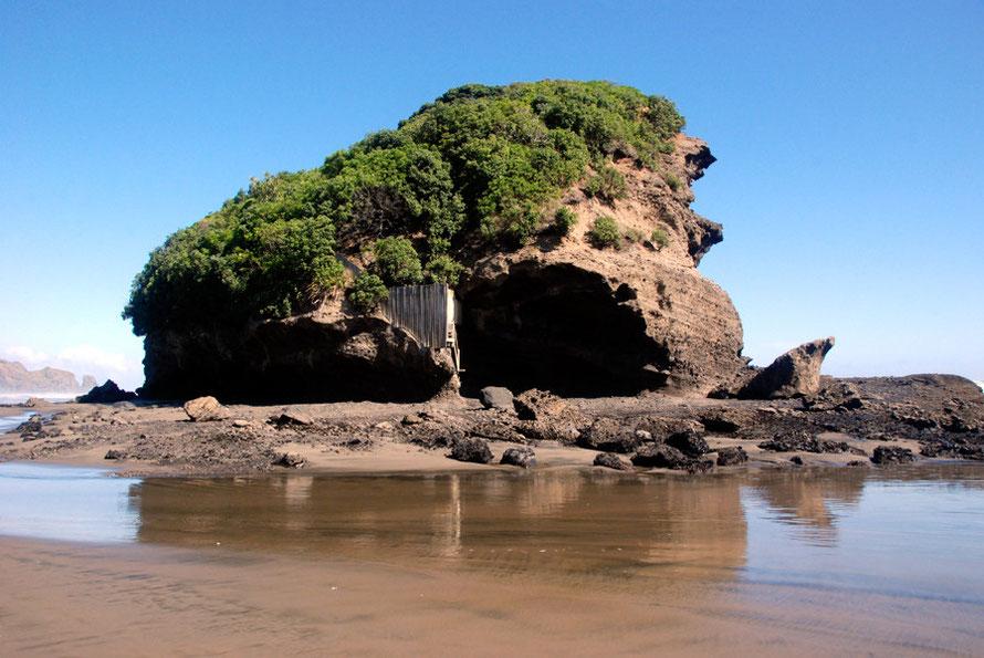 Ihumoana Island - a small tidal islet at Te Henga (Bethells Beach).